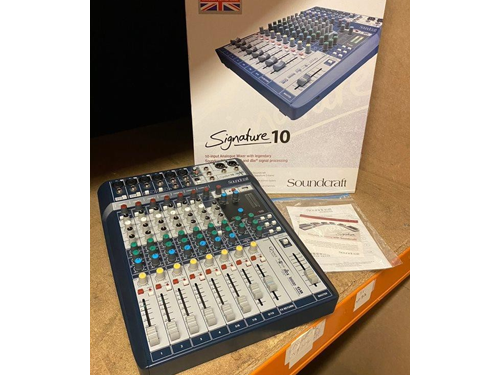 Used Soundcraft Signature 10 Channel Live Mixer with Lexicon Digital Effects